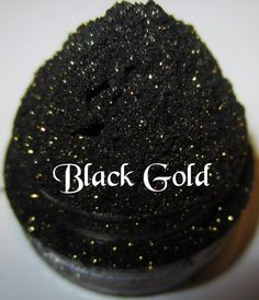 40 OFF DISCONTINUED Black Gold With Gold by lumikkicosmetics, $3.57