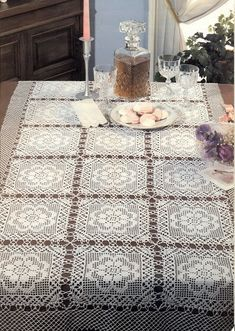 Kira scheme crochet: Scheme crochet no.Tablecloth of the big square motifThis Pin was discovered by Fab Crochet Motifs, Crochet Squares, Thread Crochet, Filet Crochet, Crochet Doilies, Knit Crochet, Crochet Bedspread, Crochet Curtains, Crochet Table Runner