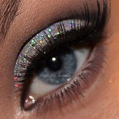 Glitter eye shadow for blue eyes