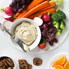 Creamy vegan cashew cheese that's perfect for spreading on sandwiches or as a dip for vegetables. Only 6 ingredients and a few minutes to make!