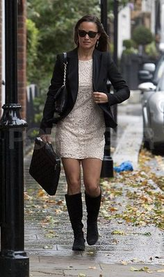 Pippa's outfit - knee highs with a dress!