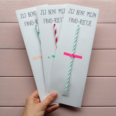 For Dutch people. Little Presents, Diy Presents, Little Gifts, Party Gifts, Diy Gifts, Diy For Kids, Crafts For Kids, Tumble N Dry, Diy And Crafts