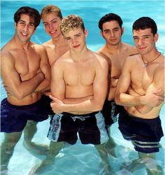 63 Reasons Why Boybands Were Better In The '90s. Totally worth the 5 minutes. I had this poster haha Professional Photo Shoot, Back In The 90s, 90s Girl, All I Ever Wanted, 90s Nostalgia, Backstreet Boys, Justin Timberlake, Musical, Celebrity Photos