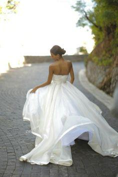 Summer soft wedding dress- MARRYMECHARLIE www.marrymecharlie.com LOVE THE BOTTOM