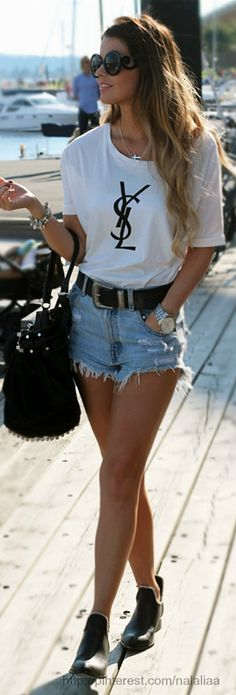 Street style - Alexander Wang bag.... check out the shorts... http://HotWomensClothes.com/pink-mascara-2/