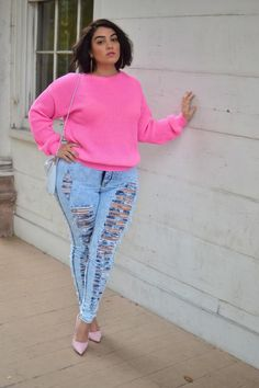 Pictures : 10 Worst Plus Size Fashion Mistakes - Plus Size Ripped Jeans Outfit Plus Size Looks, Plus Size Model, Plus Size Jeans, Curvy Girl Fashion, Plus Size Fashion, Visual Kei, Jeans Rosa, Nadia Aboulhosn, Look Rose