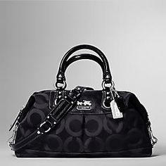 LOVE BIG PURSES!! Especially this coach one!