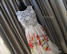 Dámske bielo kvetované midi šaty.   Top je jemne priehľadný, ušitý z elastickej bielej krajky (90%Nylon/8%elastan) a sukňa šiat je zhotovená z krásneho kvetovaného šifónu (100% PES) a doplnená jemným naskladaným tylom (100% PES) na dolnom kraji.   Zapínanie: krytý zips v bočnom šve Summer Dresses, Design, Fashion, Moda, Summer Sundresses, La Mode, Fasion, Design Comics, Summer Clothes