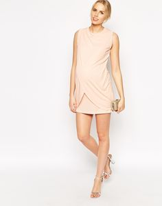 Imagen 4 de Vestido recto con diseño cruzado para lactancia de ASOS Maternity