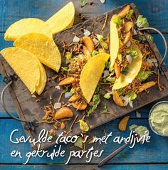 Gevulde taco's met andijvie en gekruide partjes is een heerlijk recept van…