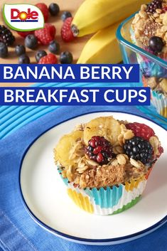 Start your morning off on a delicious note with a Banana Berry Breakfast Cup! Super simple to meal prep over the weekend and take as a grab n go breakfast or snack all week long. What's For Breakfast, Breakfast Dishes, Breakfast Recipes, Brunch Recipes, Dessert Recipes, Banana Berry, Cupcakes, Super Simple, Food Dishes