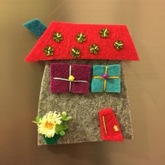 keçe, keçe magnet, magnet, sipariş, elyapımı, felt, feltro, felt megnet, design, handmade, keçe ev, keçe magnet Felt Crafts, Diy And Crafts, Felt Magnet, Felt House, Arte Popular, Clay Tutorials, Felt Art, Little Houses, Craft Items