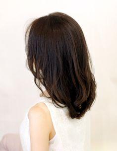 大人かわいい小顔センターパート(WA-542) | ヘアカタログ・髪型・ヘアスタイル|AFLOAT(アフロート)表参道・銀座・名古屋の美容室・美容院