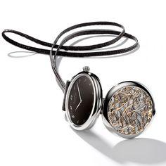 La montre Arceau Pocket Volutes dHermès http://www.vogue.fr/joaillerie/le-bijou-du-jour/diaporama/la-montre-arceau-pocket-volutes-d-hermes/12428