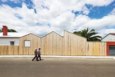 Casa Perfil / Black Line One X Architecture Studio© Peter Bennetts Innovative Architecture, Wood Architecture, Australian Architecture, Australian Houses, Melbourne Architecture, Installation Architecture, Architecture Interiors, Wooden Facade, Architect House