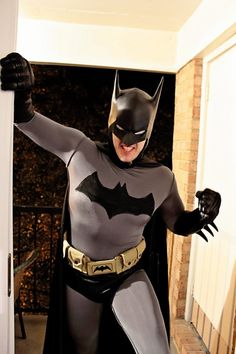Character: Batman (Bruce Wayne) / From: DC Comics 'Batman' & 'Detective Comics' / Cosplayer: Master Dahark