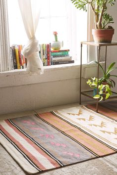 Assembly Home Maude Triangle Woven Rug - Urban Outfitters