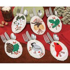 Woodland Felt Silverware Pockets - Herrschners - would work for any felt motif Felt Christmas Ornaments, Christmas Crafts, Christmas Decorations, Christmas Recipes, Christmas Ideas, Felt Crafts, Diy Crafts, Felt Coasters, Crafts For Kids