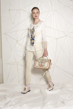 #danieladallavalle #collection #ss16 #elisacavaletti #tshirt #trousers #necklace #gloves #bag #socks #shoes #jewellery #beige #white #gold #pink #purple #print #blue #leather