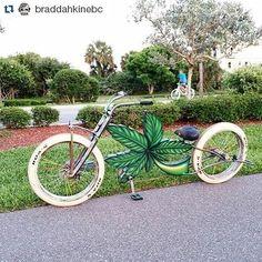 Braddahkine got their green machine too! This gotta ride well. #custom #leaf #smoke #nojoke #bicycle