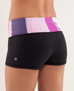 Boogie short - perfect for hot yoga