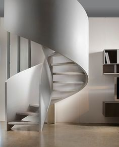 Neybers - An Interior Design Playground White Staircase, Modern Staircase, Spiral Staircase, Staircase Design, Wood Stairs, House Stairs, Stair Railing, Staircase Architecture, Architecture Design