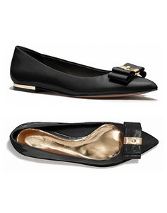 Black and gold pointy bow flats.