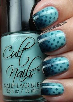 Colores de Carol manicure with two nice blue polishes, and a gradient that fades into dots Nails Only, Get Nails, Love Nails, How To Do Nails, Pretty Nails, Hair And Nails, Nail Polish Designs, Nail Art Designs, Water Nails