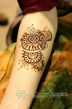 OmHennaOm - beautiful modern henna design