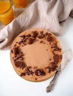Täydelliset sitruunakierrepullat Camembert Cheese, Food And Drink, Desserts, Tailgate Desserts, Deserts, Postres, Dessert, Plated Desserts