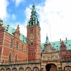 trvlwithmelissa Favorite sight of today #frederiksborg #castle #travelwithmelissa #copenhagen