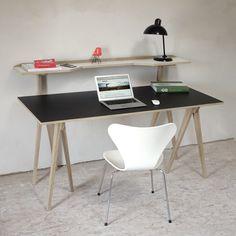 minimalhome: The Walking Desk.  Der Tischbock mit Regal. /  trestle with integrated shelf
