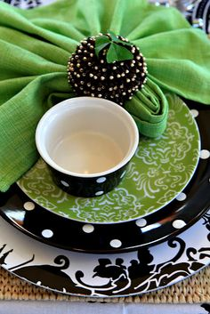 Green and black combo, use with the polka dot tablecloths