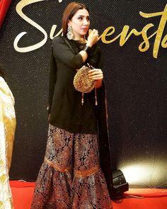 Pakistani Fancy Dresses, Pakistani Fashion Party Wear, Pakistani Wedding Outfits, Pakistani Dress Design, Pakistani Clothing, Pakistani Couture, Wedding Hijab, Indian Dresses, Desi Wedding