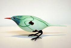 Glass art by Shane Fero. Glass Flowers, Glass Birds, Wood Glass, Glass Art, Ceramic Birds, Bird Art, Art Google, New Art, Wind Chimes