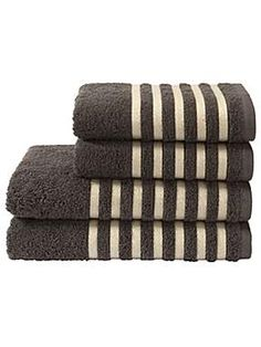 Essence towel range in graphite