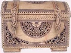 Russian Tradition of Birch-Bark Craft, Part 3 :: Visual Arts :: Culture & Arts :: Russia-InfoCentre Chip Carving, Wood Carving, Wood Canvas, Wood Art, Birch Bark Crafts, Russian Fashion, Russian Style, Russian Folk Art, Russian Culture