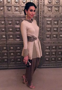 Karishma Kapoor looking elegant as always in this Ridhima Bhasin ensemble #KarishmaKapoor #RidhimaBhasin #Stage3 #DesignerOutfitsOnline #GetTheLook