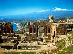 Taormina: http://it.wikipedia.org/wiki/Taormina