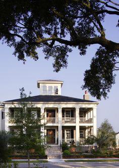 love love LOVE plantation homes