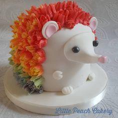 Hedgehog Cupcake, Sonic The Hedgehog Cake, Hedgehog Birthday, Sonic Birthday Cake, Sonic Cake, Pretty Cakes, Cute Cakes, Mini Tortillas, Fondant Cakes
