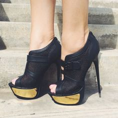 bdaa547f2d72 10 Best heelless heels images