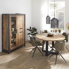 Eetkamertafel Cadiz van Budget Home Store is een robuuste ronde eettafel met metalen poot. Het melamine tafelblad is krasvast, slijtvast en daardoor super geschikt voor intensief gebruik. Dit materiaal is onderhoudsvriendelijk verkrijgbaar in vele kleuren. #eetkamertafel #tafel #eethoek #eetkamer #diningroom #diningarea #wonen #inspiratie #styling Dining Area, Dining Table, Interior Inspiration, Cabinet, Interior Design, Storage, Room, House, Furniture