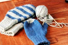 Time to knit some mittens! Pattern is Basic Mittens pattern from Green Mountain Spinnery.