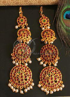 BEAUTIFUL KEMP-GREEN PEARL DESIGNER EARRINGS DJ19573 | DREAMJWELL Jewelry Design Earrings, Gold Earrings Designs, Ear Jewelry, Designer Earrings, Bridal Jewelry, Gold Jewelry, Jewelry Necklaces, Gold Necklace Simple, Gold Pearl Necklace