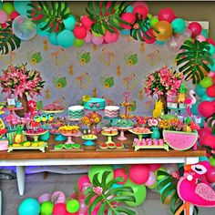 38 Ideas Flamingo Birthday Party Set Up Flamingo Birthday, Luau Birthday, Flamingo Party, 2nd Birthday Parties, Luau Theme Party, Hawaiian Party Decorations, Birthday Party Decorations, Tropical Party, Baby
