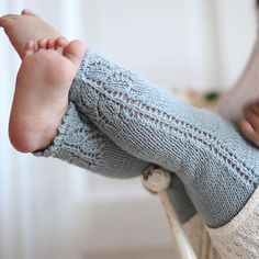 Baby Knitting Patterns Pattern for Paelas Tights is now available in English at pae…Ravelry: c Hello Kitten Pants pattern by DROPS design Baby Knitting Patterns, Knitting For Kids, Baby Patterns, Free Knitting, Knitting Projects, Knitting Kits, Hello Kitten, Crochet Baby, Knit Crochet