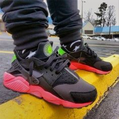 00b0710460 NIKE AIR HUARACHE BLACK HOT PINK GREEN 318429 006 Nike Sweatpants, Nike  Leggings, Nike