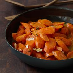 Braised Carrots with Thyme - Plus: More Vegetable Recipes and Tips More Quick Side Dishes … - Carrot Dishes, Carrot Recipes, Vegetable Recipes, Veggie Dishes, Vegetarian Recipes, Steam Vegetables Recipes, Steamed Vegetables, Veggies, Root Vegetables