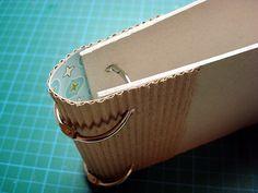 Mini album with corrugated cardboard back - Mini album with corrugated cardboard back - Mini Albums, Mini Scrapbook Albums, Scrapbook Paper Crafts, Filofax, Fabric Journals, Art Journals, Album Book, Handmade Books, Tampons